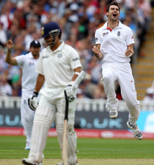 James Anderson did the early damage for England as he removed key batsmen in his first spell