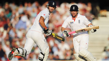 Kevin Pietersen and Ian Bell take a run during their 350-run stand