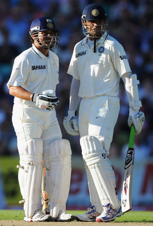 Rahul Dravid and Sachin Tendulkar added 55 for the third wicket, England v India, 4th Test, The Oval, 3rd day, August 20, 2011