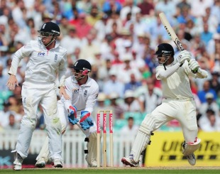 Rahul Dravid cuts during his hundred, England v India, 4th Test, The Oval, 4th day, August 21, 2011