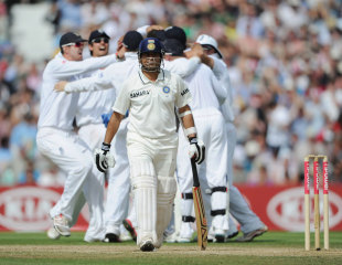 Sachin Tendulkar walks off after being trapped lbw for 91, England v India, 4th Test, The Oval, 5th day, August 22, 2011