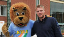 Hansie the Lion meets Andrew Flintoff