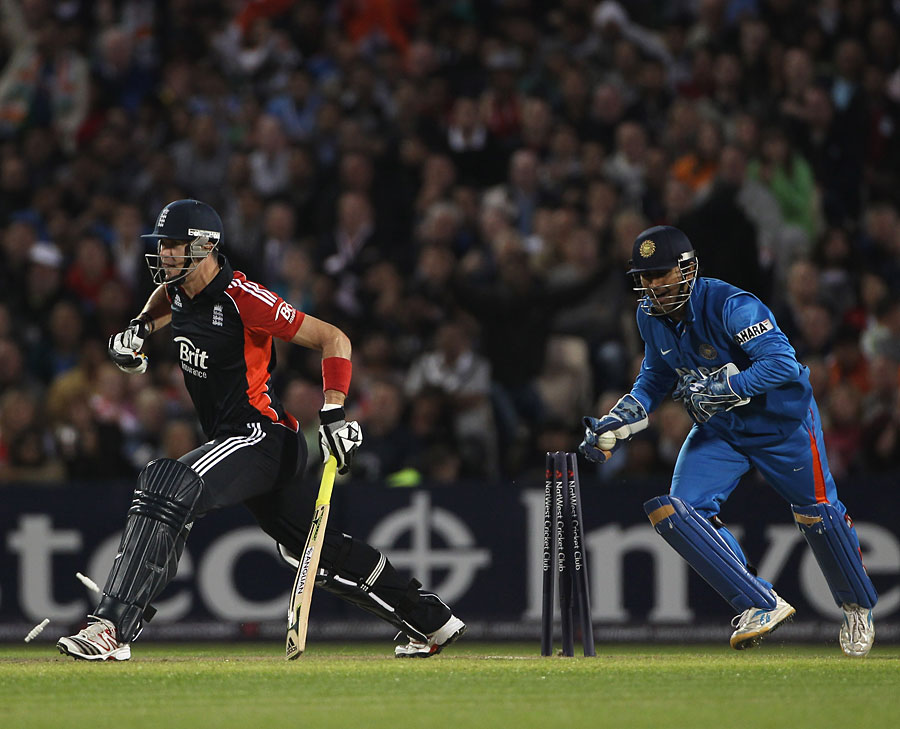 Morgan and Dernbach shine in victory in T20 agianst India