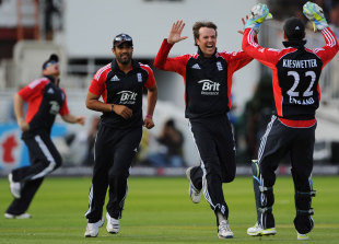 Graeme Swann struck twice in his opening over, England v India, 4th ODI, Lord's, September 11, 2011