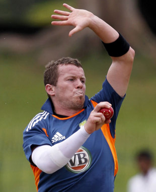 Peter Siddle bowls in the nets, Colombo, September 14, 2011
