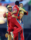 Daniel Vettori is elated after taking a wicket, Bangalore v Mumbai, 2nd qualifier, IPL 2011, Chennai, May 27, 2011