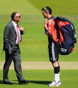 Ian Botham chats with Kevin Pietersen, Lord's, July 3, 2011
