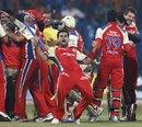 Royal Challengers Bangalore vs Delhi Daredevils Highlights IPL 2012, Royal Challengers Bangalore vs Delhi Daredevils IPL 2012 videos online,