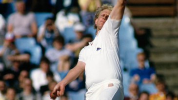 Graham Dilley in action against Pakistan