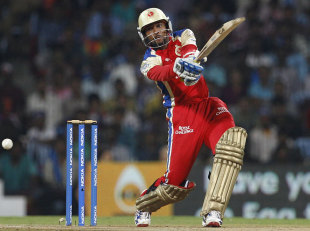 Tillakaratne Dilshan flays one into the off side, Mumbai Indians v RCB, CLT20 final, Chennai, October 9, 2011
