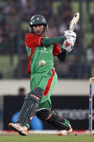 Nasir Hossain pulls on his way to a half-century, Bangladesh v West Indies, 2nd ODI, Mirpur, October 15, 2011