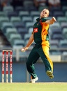 Evan Gulbis in his delivery stride, Western Australia v Tasmania, Ryobi Cup, Perth, October 16, 2011