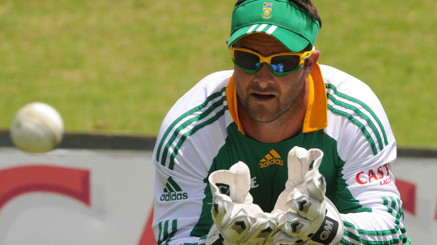 Mark Boucher trains during South Africa's practice session