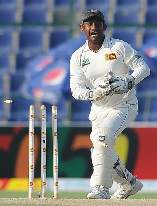 Prasanna Jayawardene successfully runs out Taufeeq Umar, Pakistan v Sri Lanka, 1st Test, Abu Dhabi, 3rd day, October 20, 2011