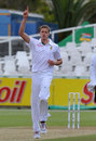 South Africa edge ahead after wicket-ridden day