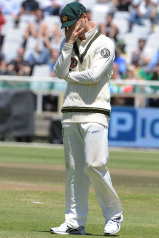 Michael Clarke has his head in his hands, South Africa v Australia, 1st Test, Cape Town, 3rd day, November 11, 2011