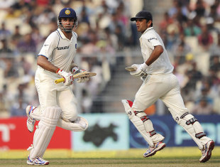 Rahul Dravid and VVS Laxman added 140 for the fourth wicket, India v West Indies, 2nd Test, Kolkata, 1st day, November 14, 2011