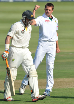 Dale Steyn pumps his fist as Michael Hussey departs, South Africa v Australia, 2nd Test, Johannesburg, 2nd day, November 18, 2011