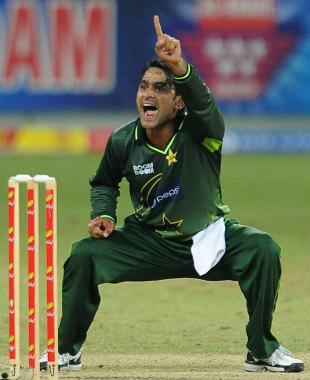 Mohammad Hafeez appeals successfully to dismiss Jeevan Mendis, Pakistan v  Sri Lanka, 3rd ODI.