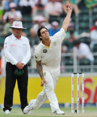 Mitchell Johnson bends his back, South Africa v Australia, 2nd Test, Johannesburg, 3rd day, November 19, 2011