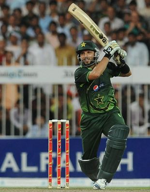 Shahid Afridi drives during his half-century, Pakistan v Sri Lanka, 4th ODI, Sharjah, November 20, 2011