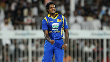 Dilhara Fernando picked up three wickets