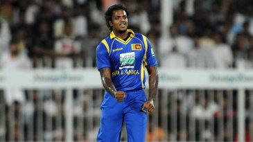 Dilhara Fernando picked up three wickets