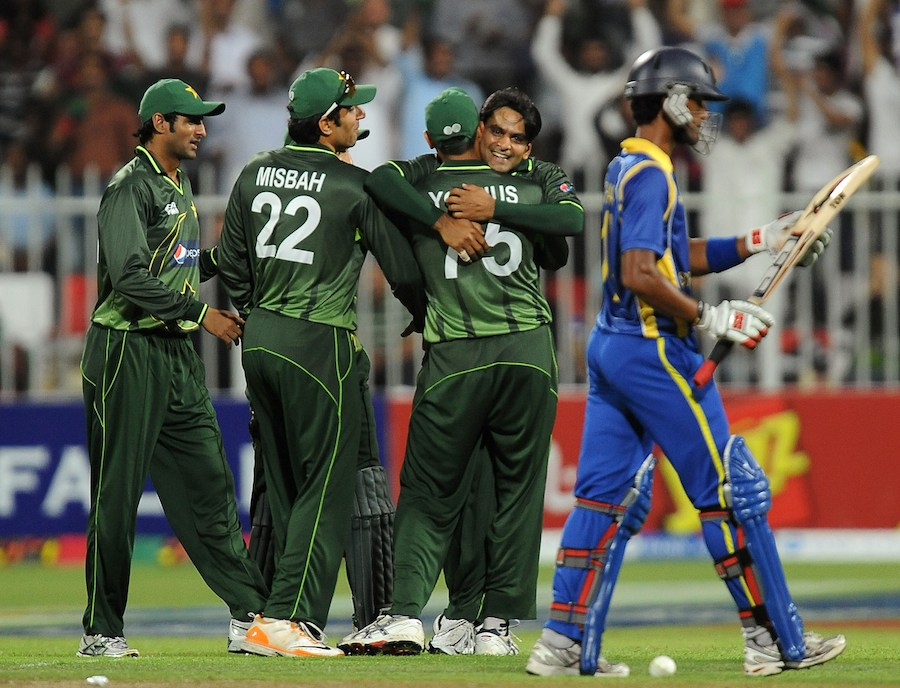 139320 - Chandimal fined for dissent, Hafeez reprimanded
