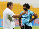 Geoff Marsh has a chat with Lasith Malinga, Abu Dhabi, November 22, 2011
