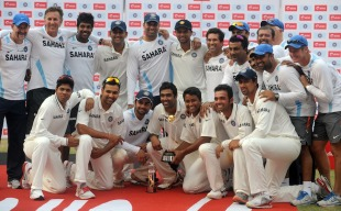 The Indian team and support staff with the trophy, India v West Indies, 3rd Test, Mumbai, 5th day, November 26, 2011