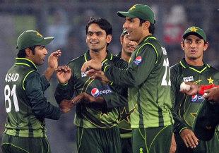 Mohammad Hafeez took 2 for 11, Bangladesh v Pakistan, only Twenty20, Mirpur, November 29, 2011