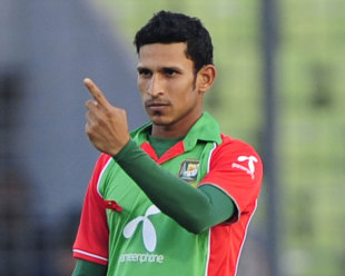 Nasir Hossain signals the end of Imran Farhat, Bangladesh v Pakistan, 1st ODI, Mirpur, December 1, 2011