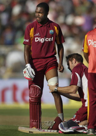 Darren Bravo has treatment on his left hamstring, India v West Indies, 3rd ODI, Ahmedabad, December 5, 2011