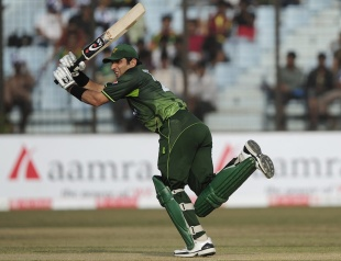 Misbah-ul-Haq flicks during his 47, Bangladesh v Pakistan, 3rd ODI, Chittagong, December 6, 2011