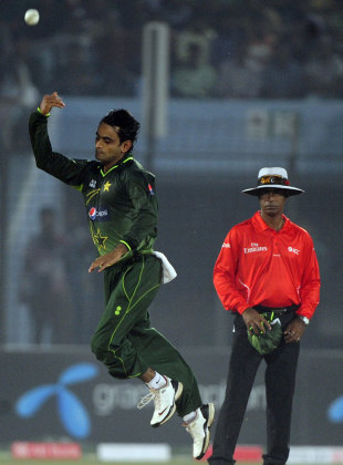 Mohammad Hafeez overpowered Bangladesh with 3 for 27
