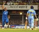 Darren Gough celebrates Sachin Tendulkar's wicket, India v England, 6th ODI, Mumbai, February 3, 2002
