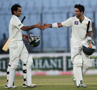 Mohammad Hafeez and Taufeeq Umar opened the batting for the 11th consecutive Test, a Pakistan record, Bangladesh v Pakistan, 1st Test, Chittagong, 1st day, December 9, 2011