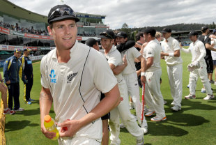 Doug Bracewell walks off the field after New Zealand's victory, Australia v New Zealand, 2nd Test, Hobart, 4th day, December 12 2011