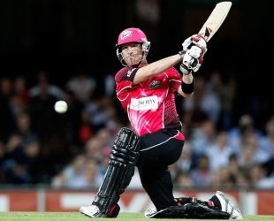 Brad Haddin on the attack during his half-century, Sydney Sixers v Brisbane Heat, Big Bash League, SCG, December 16, 2011