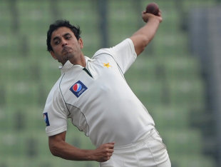 Abdur Rehman turned the Mirpur Test in Pakistan's favour with three quick strikes, before the batsmen secured a seven-wicket win