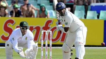 Thilan Samaraweera steadied the Sri Lankan innings