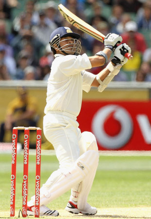 Sachin Tendulkar upper cut the first ball after tea for six, Australia v India, 1st Test, Melbourne, 2nd day, December 27, 2011