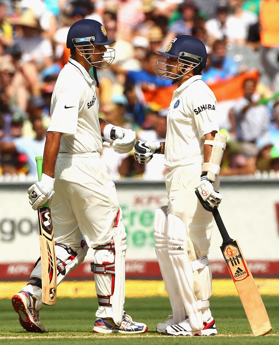 Rahul Dravid and Sachin Tendulkar put on their 20th century stand in Tests, Australia v India, 1st Test, Melbourne, 2nd day, December 27, 2011