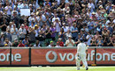 Sachin Tendulkar gets a standing ovation of the MCG, Australia v India, 1st Test, Melbourne, 4th day, December 29, 2011