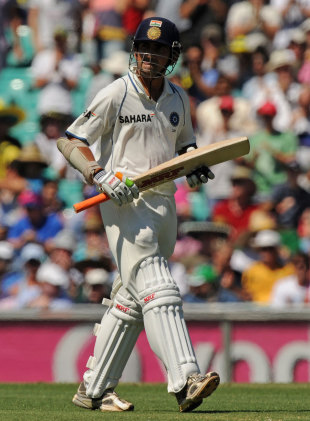 Gautam Gambhir walks off after falling for a duck, Australia v India, 2nd Test, Sydney, 1st day, January 3, 2012