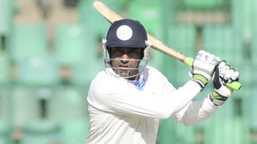 Robin Uthappa plays one square during his half-century