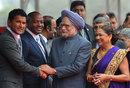 Daren Ganga and Brian Lara meet Indian Prime Minister Manmohan Singh, as T&T Prime Minister Kamla Persad-Bissessar looks on, Delhi, January 6, 2012