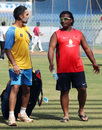 Dinesh Karthik and Ramesh Powar have a chat, Mumbai, January 9, 2012