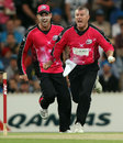 Stuart MacGill celebrates the wicket of Michael Klinger, Adelaide Strikers v Sydney Sixers, BBL, Adelaide, January 10, 2012