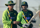 Mohsin Khan offers Mohammad Hafeez some advice